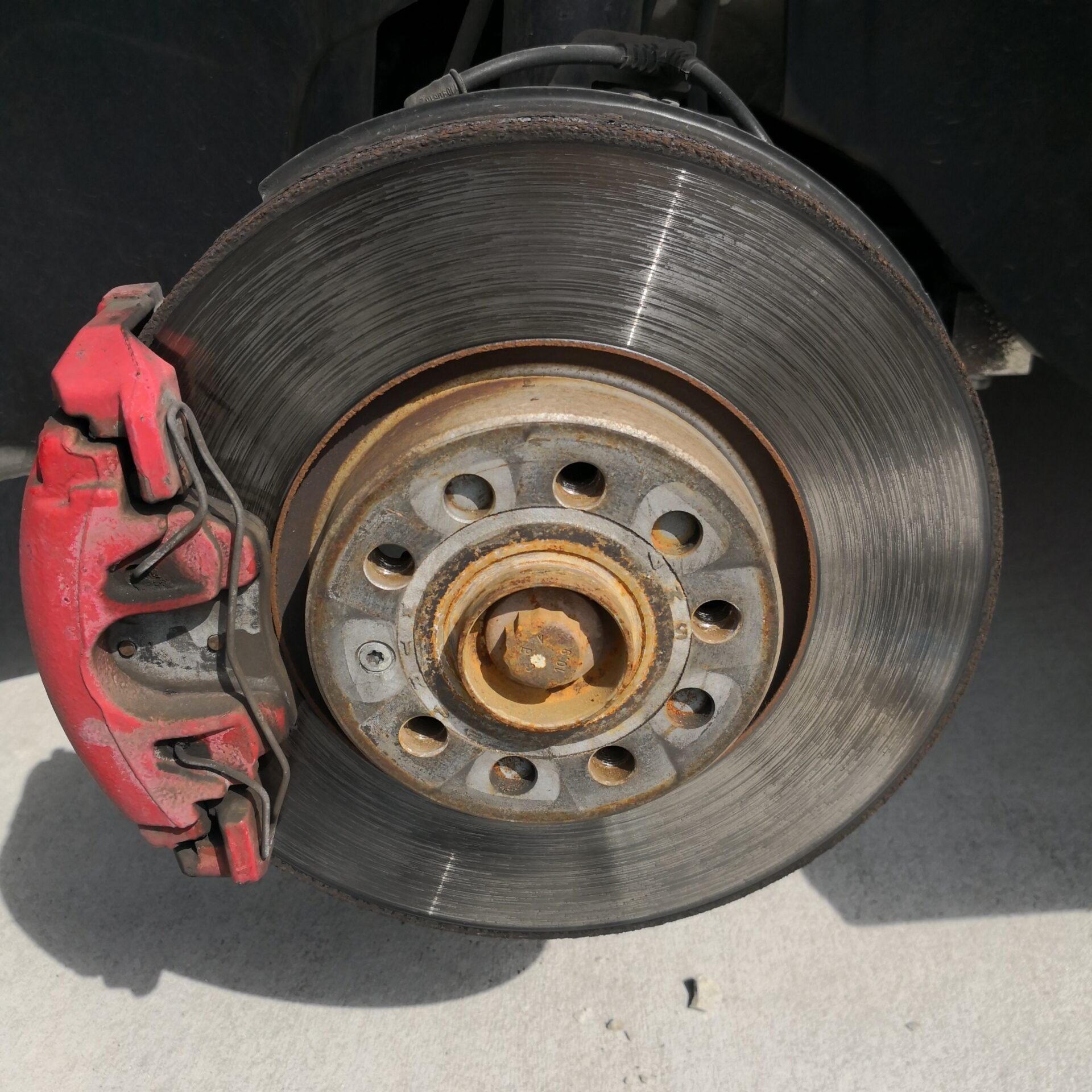 ゴルフのタイヤ交換ボルト式